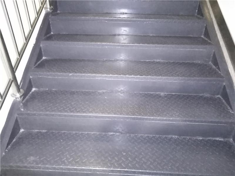 楼梯防滑板应用